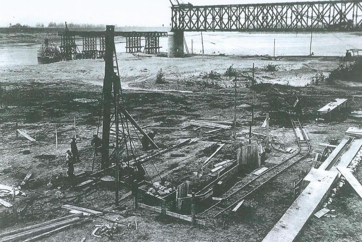 1946. Ricostruzione del ponte ferroviario