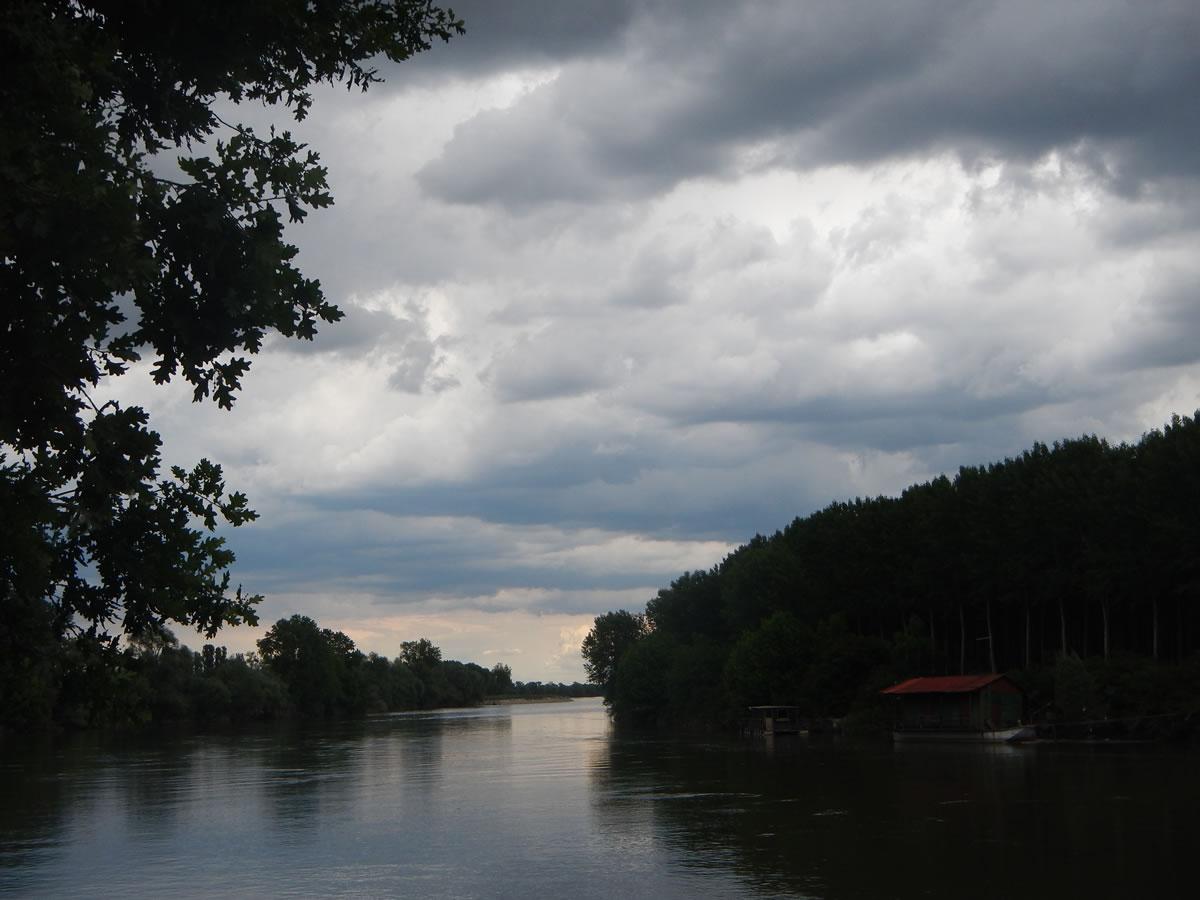 L'arrivo del temporale visto dal ponte